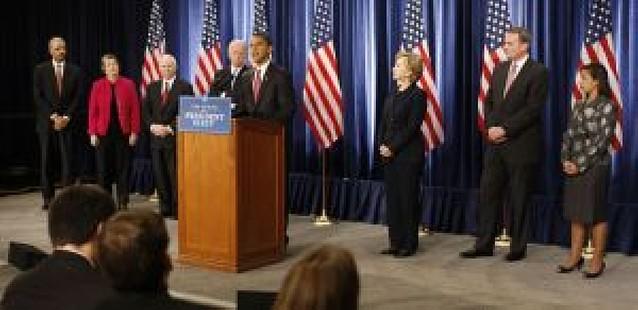 Barack Obama presenta a Hillary Clinton para el puesto de secretaria de Estado