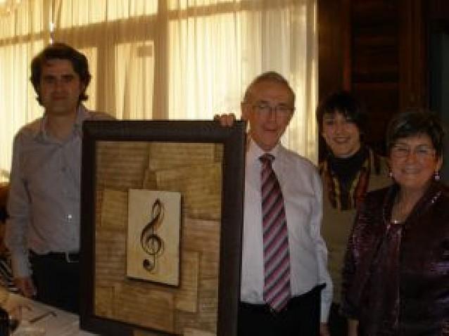 La coral La Tafallesa homenajea a su ex director José Ignacio Osés Sorbet