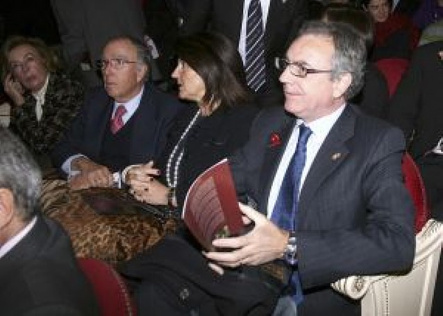 Unas 800 personas celebran el Día de Navarra en el Teatro Real de Madrid