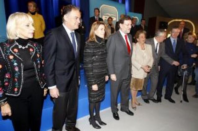 """Rajoy dice que el Gobierno está desbordado por """"incapacidad, improvisación y falta de coraje"""""""