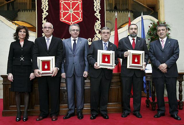 UGT, CCOO y CEN reciben la Medalla de Navarra por su apuesta por el diálogo social