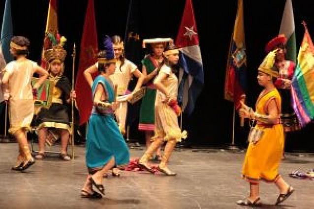 Folclore internacional en el Gayarre