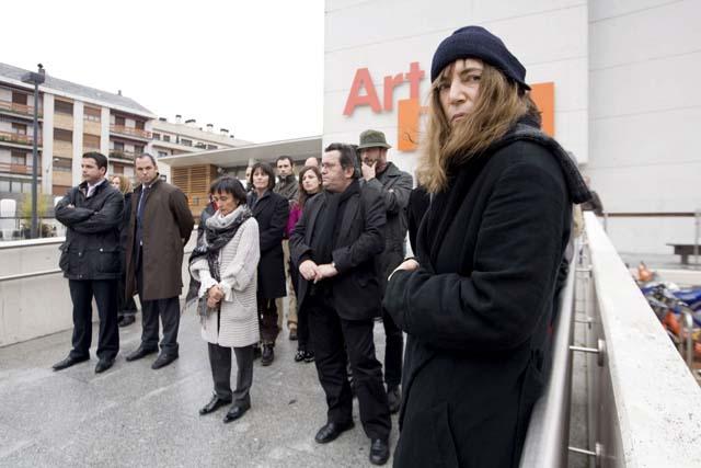 El lehendakari preside el homenaje a Ignacio Uría en el Parlamento vasco