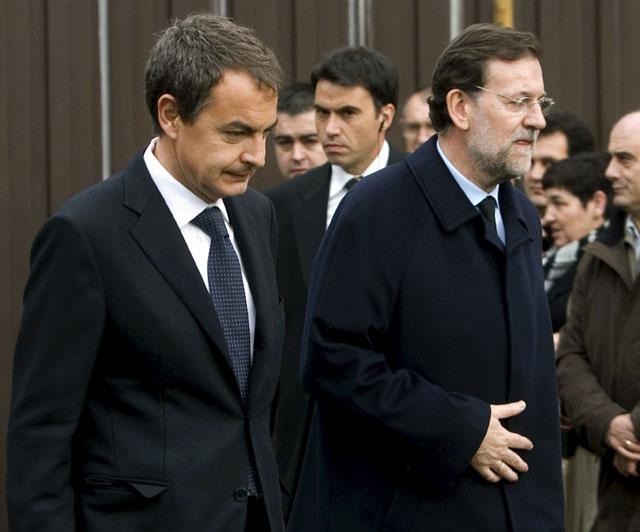 Zapatero y miles de personas expresan su apoyo a la familia de Ignacio Uría