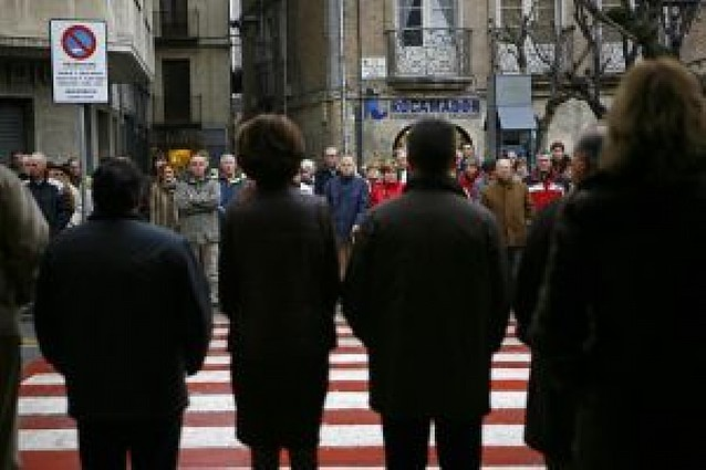 Silencio para condenar el asesinato de ETA