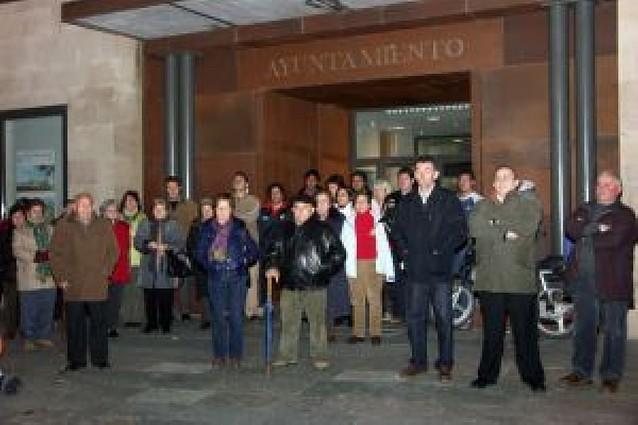 La Ribera muestra su repulsa al terrorismo