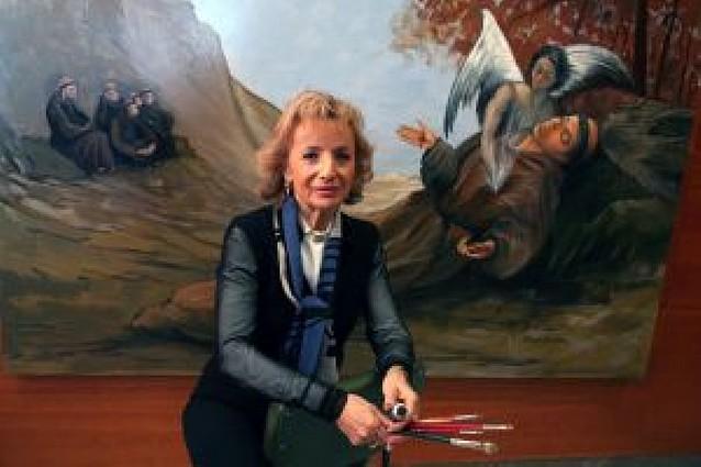 La murchantina Pilar García Escribano pinta un retablo de 8 cuadros para una iglesia de Benidorm