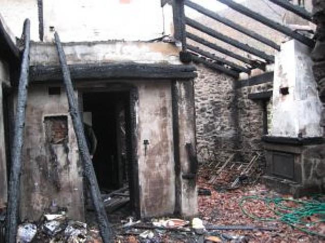 Un incendio destruye parte de un caserío remodelado hace seis años en Aranaz