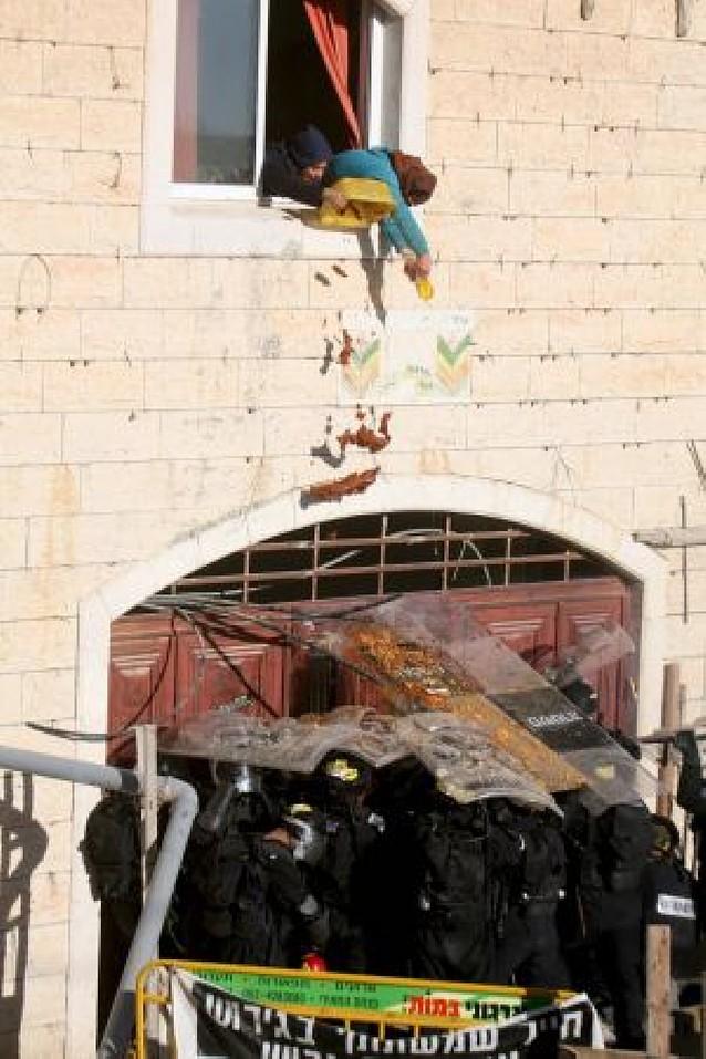 Al menos 25 heridos en Hebrón por la disputa de una vivienda