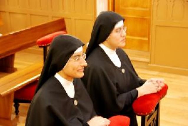 Votos perpetuos de dos Siervas de María