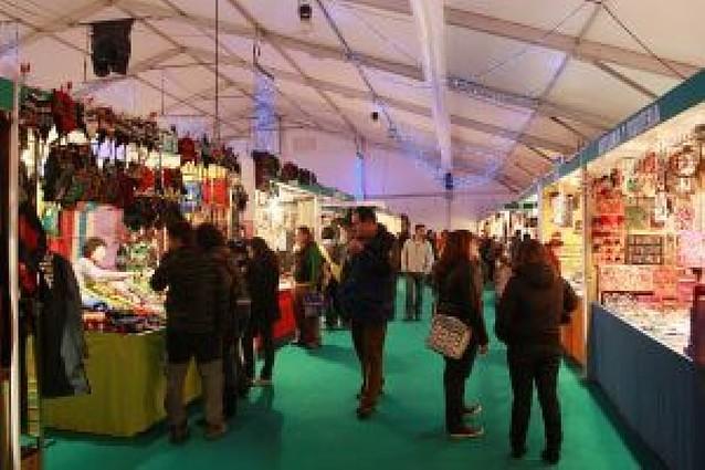 La Feria de Navidad abrió ayer sus puertas al público