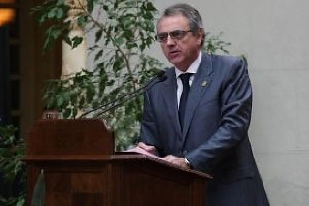 Sanz señala que hay que alejar a ANV de las instituciones