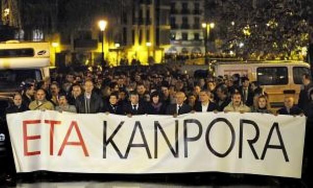 """Miles de personas pidieron a ETA """"que se vaya"""""""