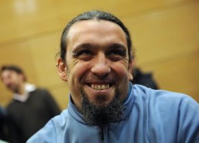 Santos, condenado a tres años y medio de prisión