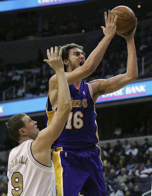 Los Lakers ganan con otro doble-doble de Gasol
