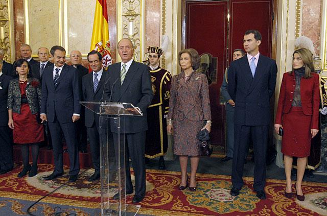 Zapatero no considera imprescindible la reforma de la Constitución
