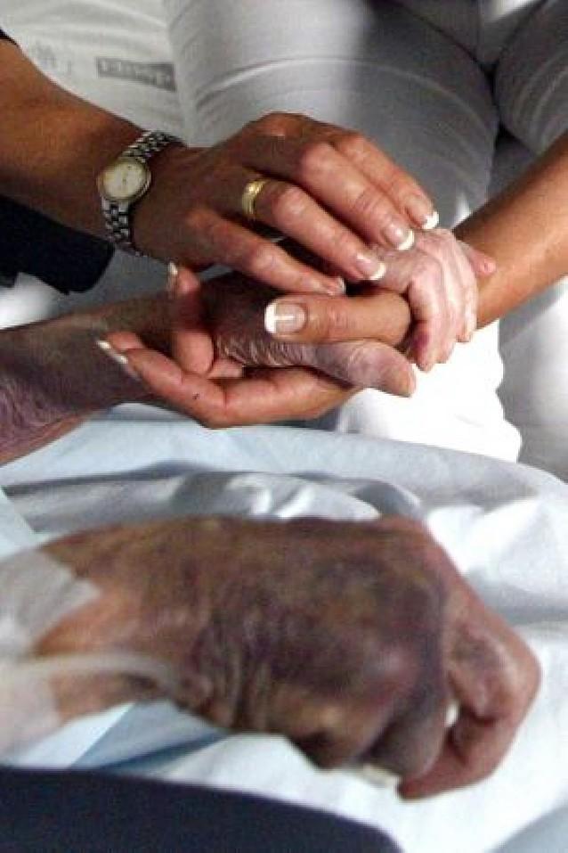 Crece la demanda de pacientes que optan por morir en casa rodeado de su familia