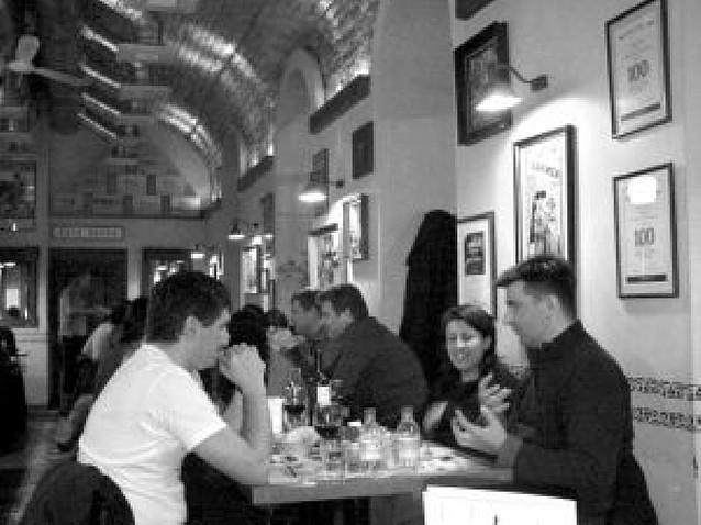Pamplona, en un bar de Budapest