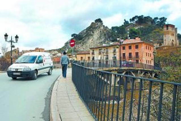 El tráfico del puente del Azucarero cambia de sentido para reducir el tránsito rodado