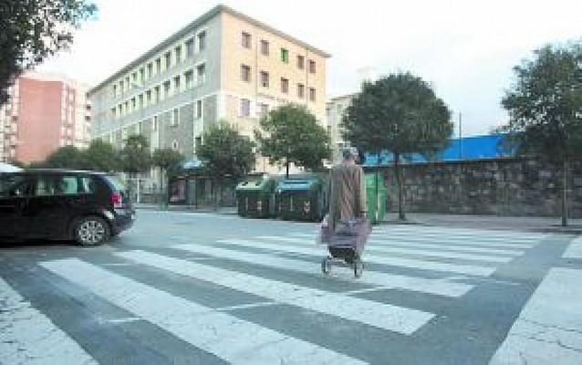 Atropella a una mujer en Pamplona y huye