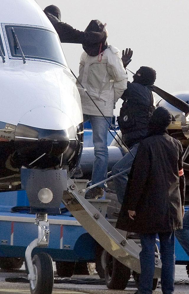 Llegan a París Iriondo y los otros dos presuntos etarras detenidos en Francia