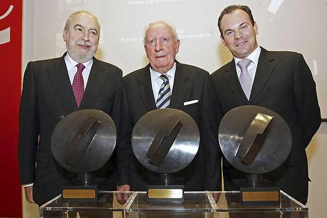 """La Cámara Navarra entrega sus premios 2008 a tres """"ejemplos"""" de empresarios"""