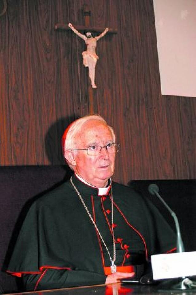 Cañizares comienza hoy su labor como prefecto del Papa