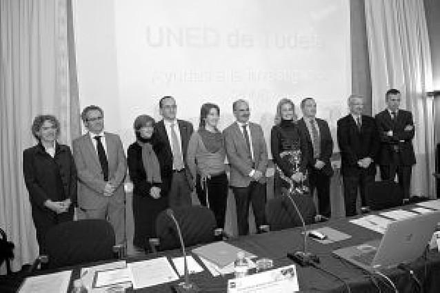 La UNED premia una investigación sobre un tratamiento del alzheimer