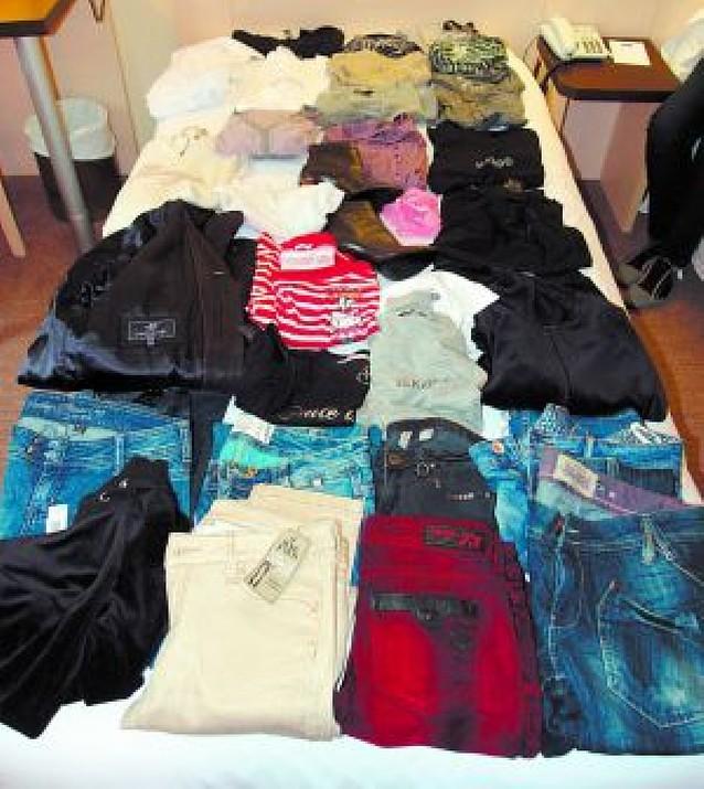 Detienen a seis personas que se organizaban para robar en tiendas de ropa