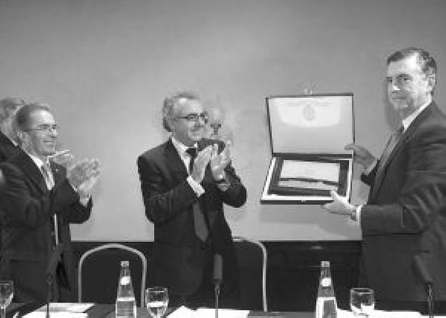 """Los ingenieros honran a Jaime del Valle por """"impulsar"""" las renovables en Navarra"""