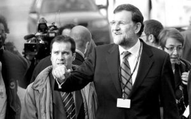 El PP acusa a Zapatero de no querer disolver los municipios de ANV por cálculo electoral