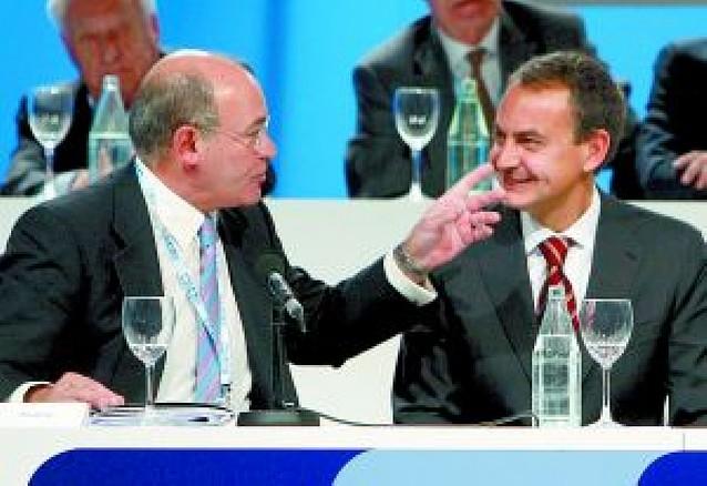 La CEOE denuncia que las medidas contra la crisis no llegan a las empresas
