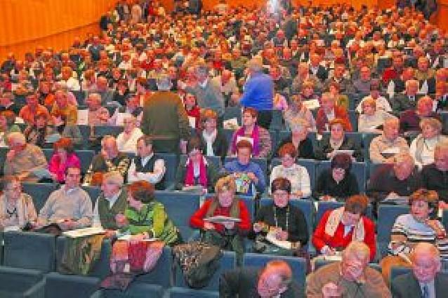 Caja Navarra reúne en el Baluarte a 650 voluntarios