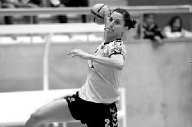 """El premio """"Estellés del año"""" recae en la jugadora de balonmano Andrea Barnó"""
