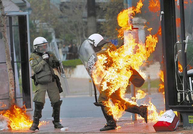 Ya son 432 los detenidos en Grecia por la ola de violencia