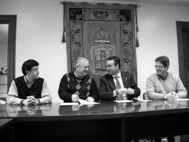 Convenio entre la S.D. Itxako y Puente La Reina