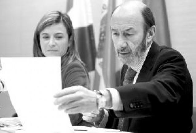 Rubalcaba asegura que la negociación con ETA pertenece a un pasado que no volverá