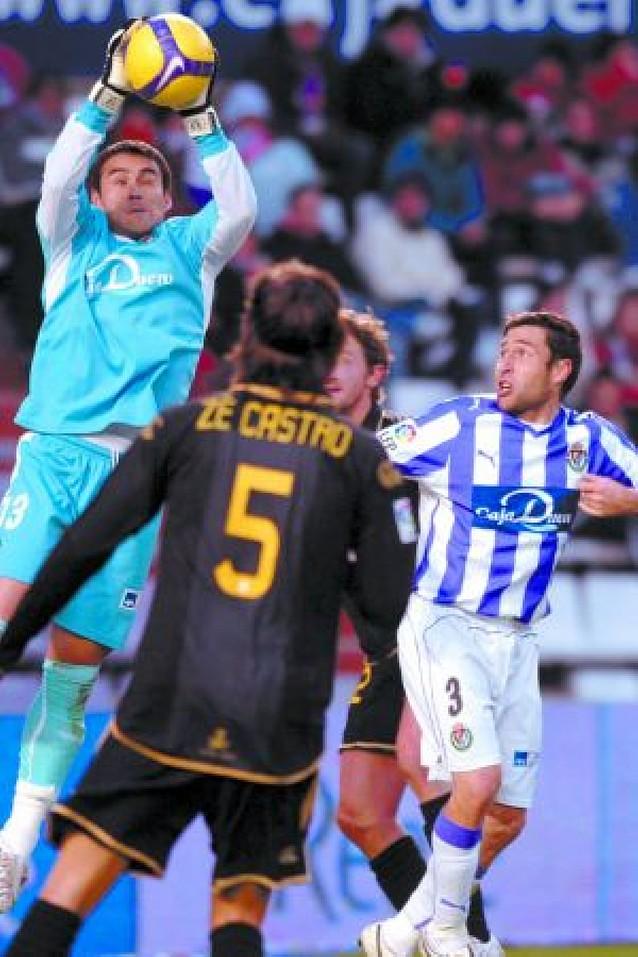 El Valladolid encandila y golea en el José Zorrilla
