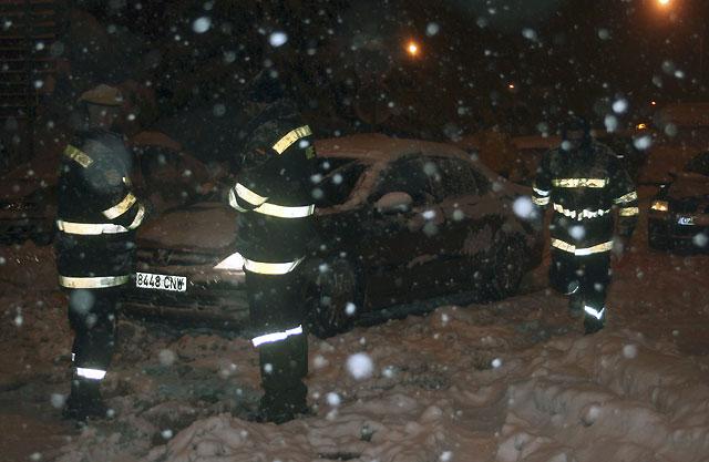 La nieve deja atrapadas a 120 personas en la AP-66 de León