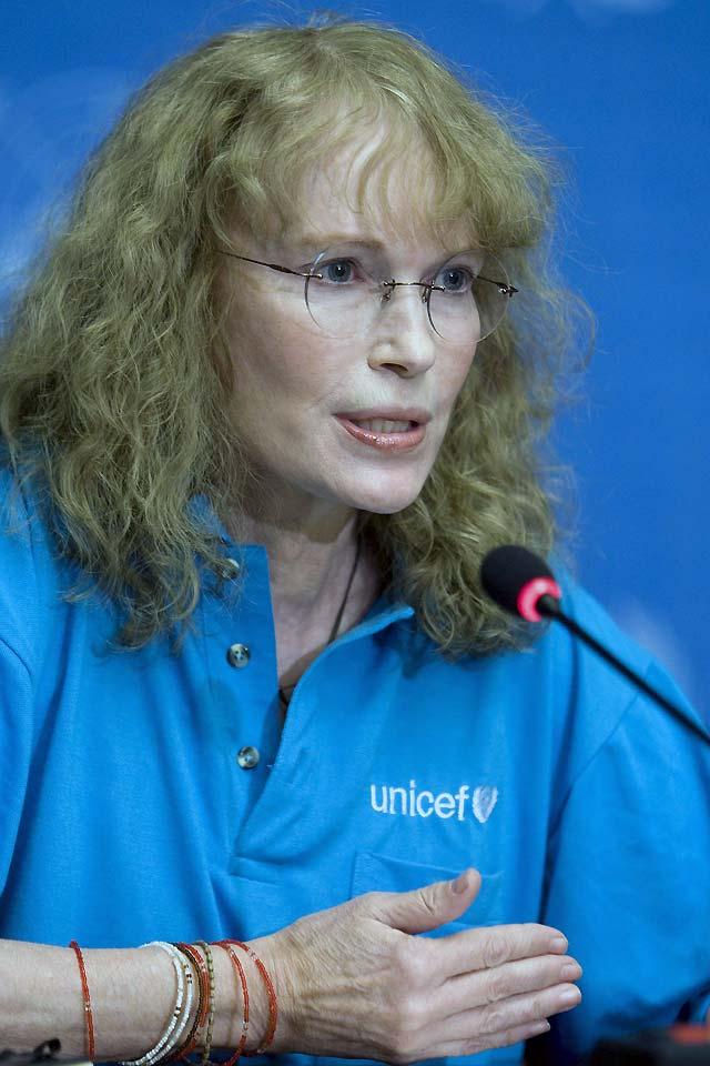 Mia Farrow denuncia la brutalidad de las violaciones masivas en el Congo