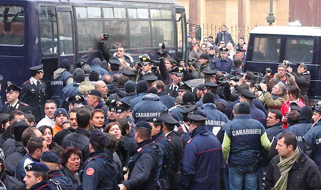 Desarticulada una red mafiosa que pretendía reorganizar la Cosa Nostra siciliana