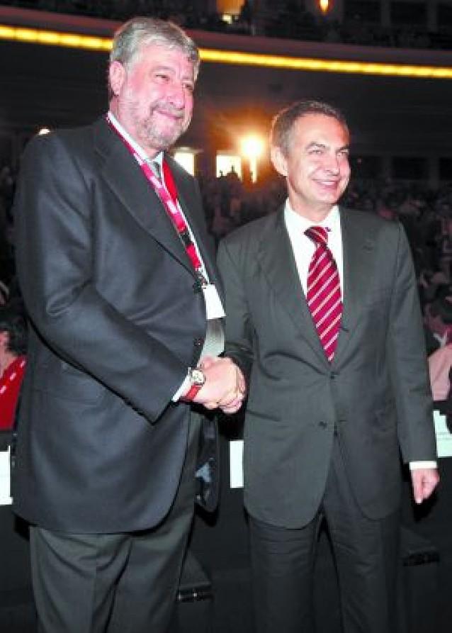 Zapatero abre el Congreso de CC OO con un mensaje de rechazo al recorte de salarios