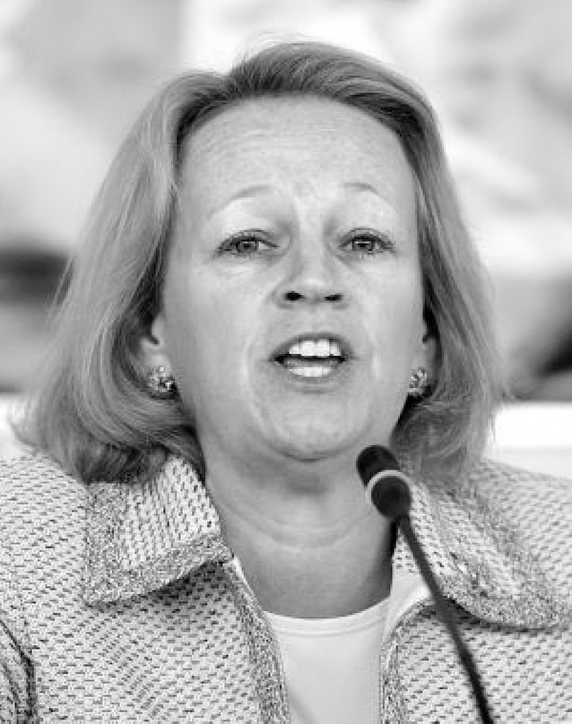 Obama nombra a Mary Schapiro presidenta de la Comisión de Valores