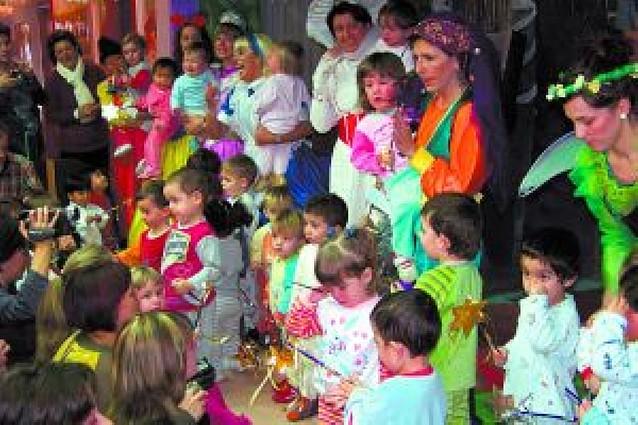 "El mundo de Walt Disney se adueñó de la escuela infantil ""Arco Iris"" de Lodosa"