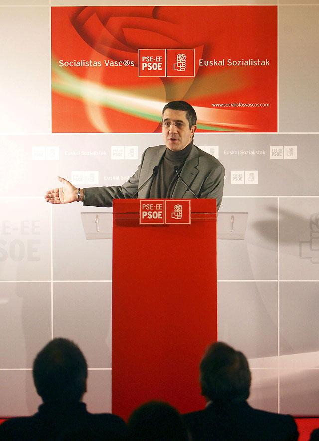 """Patxi López apuesta por recuperar el """"pacto entre diferentes"""" en Euskadi"""