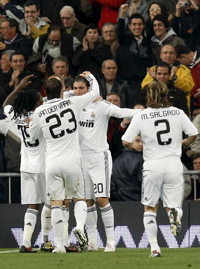 El Real Madrid recupera el pulso