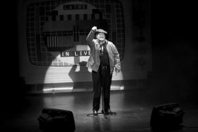 Carlos Latre, poseído por sus personajes