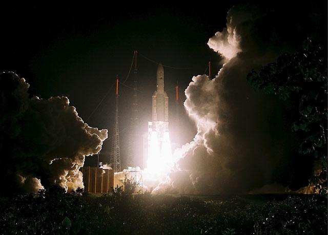 El cohete Ariane sale rumbo al espacio