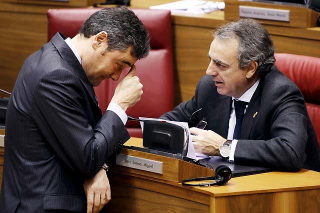 Sanz dice que es el momento de adoptar iniciativas para apartar a ANV de las instituciones