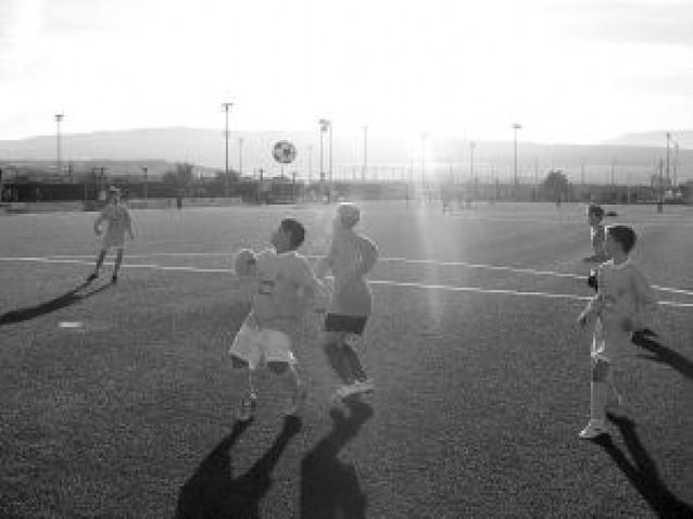 El sol mitigó el frío en la jornada inaugural del Torneo